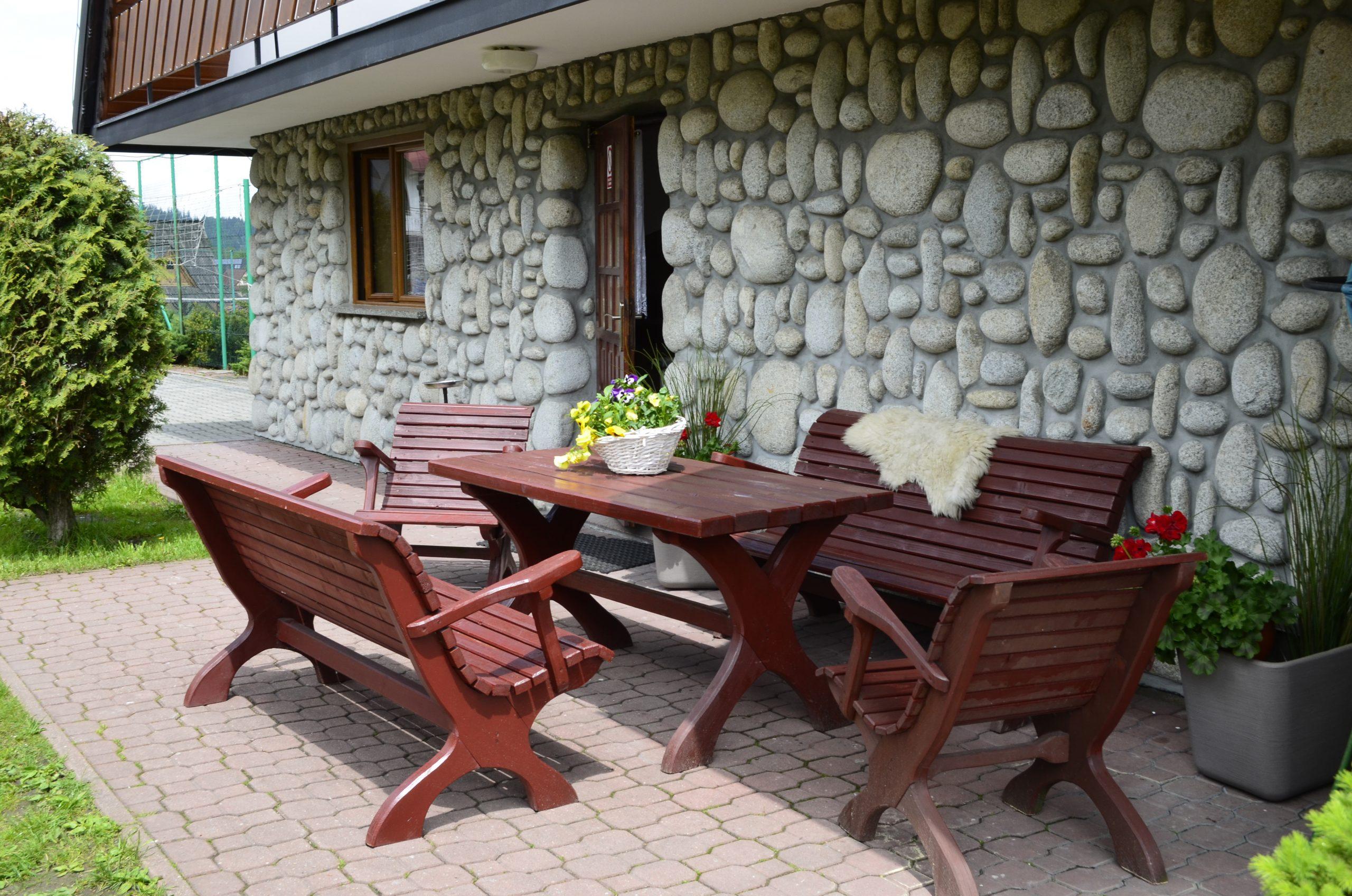 Willa-Siklawa-pobyt-rodzinny-miejsce-dla-dzieci-góry-basen-plac-zabaw