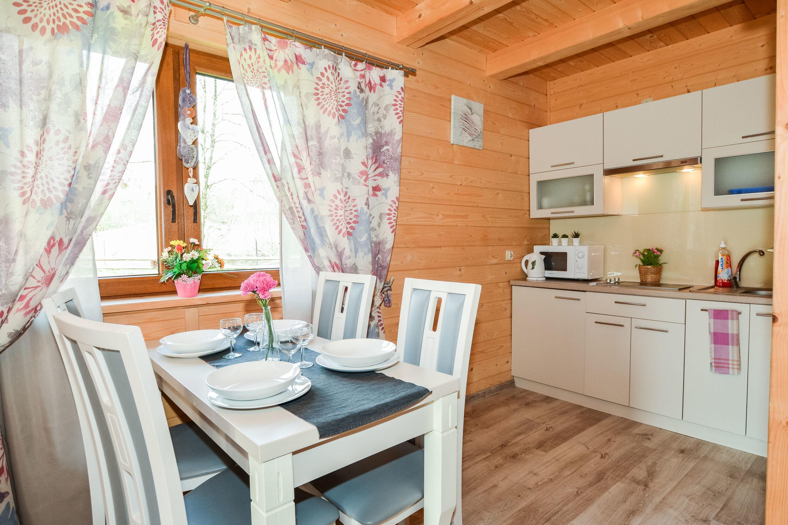 domki-gawra-zakopane-noclegi-drewno-drewniany-domek-scaledwnętrze3