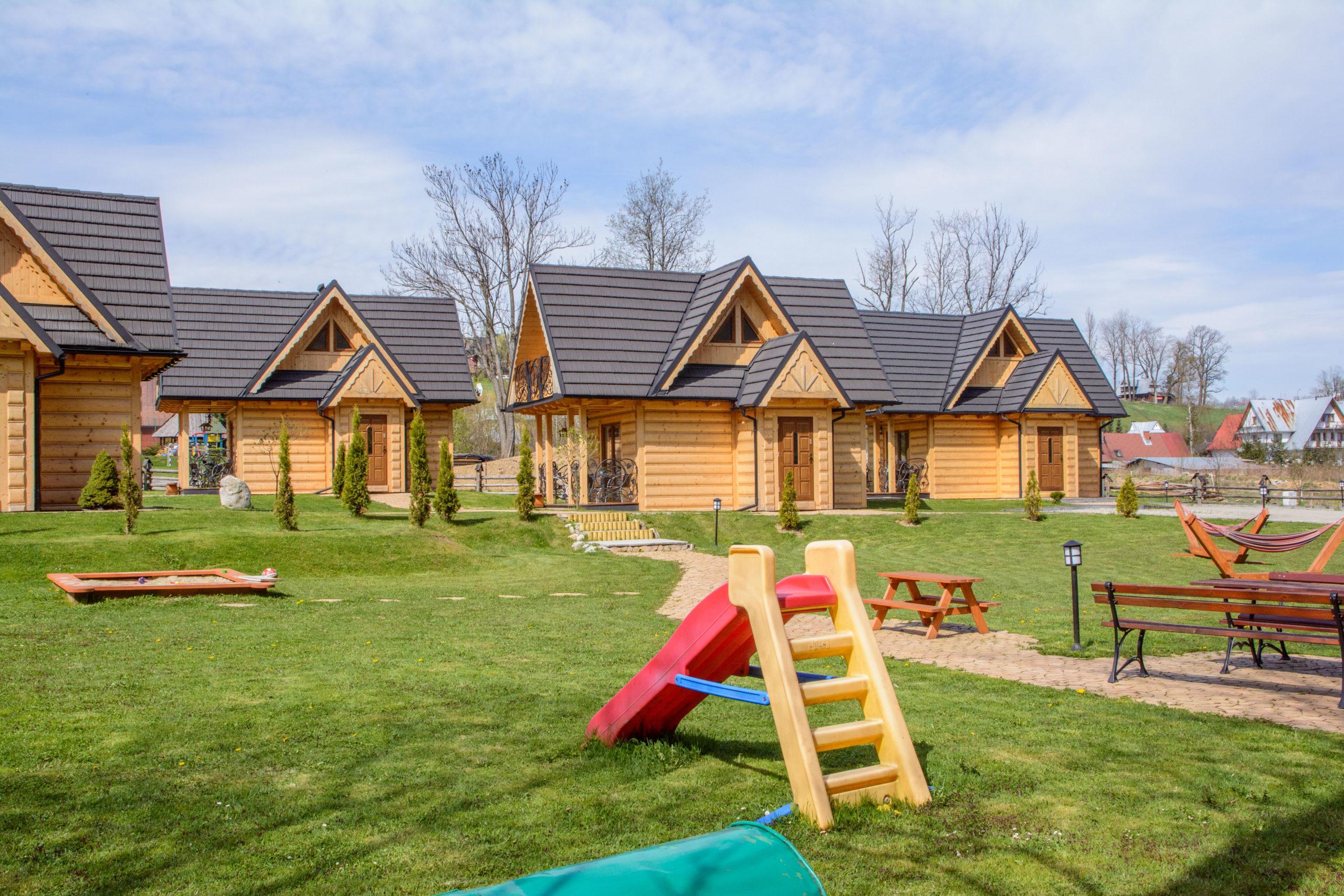 domki-gawra-zakopane-noclegi-góry-tatry-plac-zabaw-scaled7