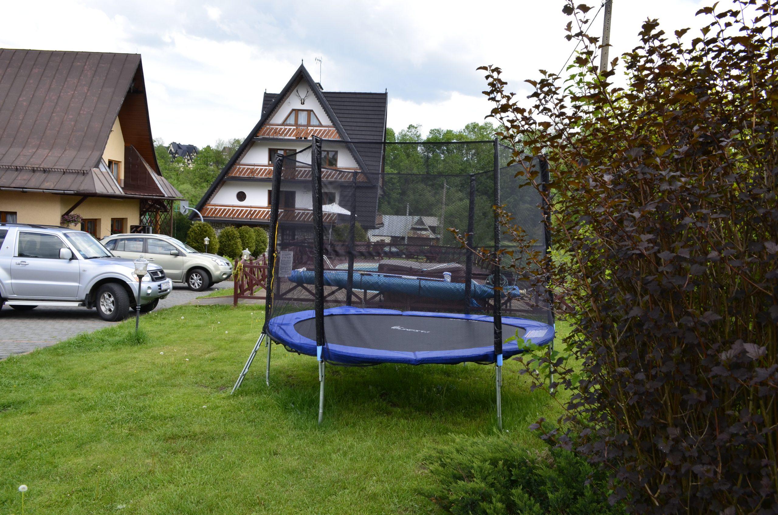 zakopane-atrakcje-dla-dzieci-willa-dla-dzieci-wakacje-trampolina-